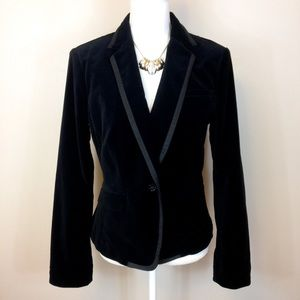 BANANA REPUBLIC • Black Velvet Blazer Size 10